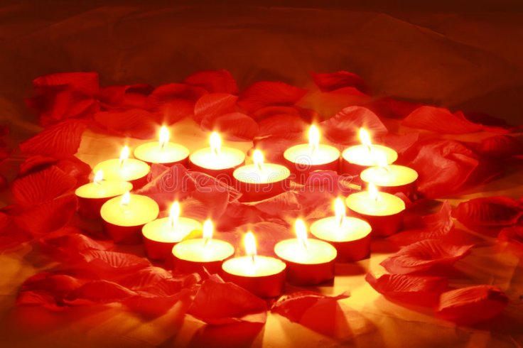 valentines-candles-4037285.jpg